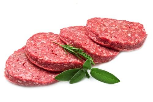 Hamburger: come scegliere, lavorare e cuocere la carne