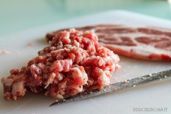 Come tritare la carne al coltello
