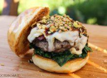 Porky's Burger, hamburger di maiale con mortadella affumicata