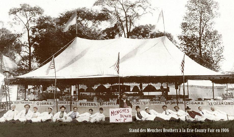 Stand dei fratelli Menches alla Erie County Fair nel 1906