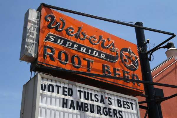 Storia dell'hamburger: Weber's Superior Root Beer